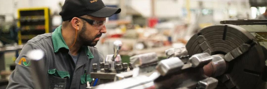 Desempenho da indústria se mantém forte em abril