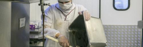 Com produção acelerada, indústria tem empregos em alta no Paraná