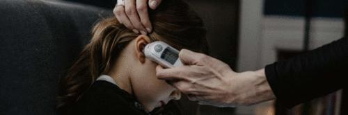 Acessórios com tecnologia embutida, atendimento médico remoto e totem de triagem são desenvolvidos em Londrina